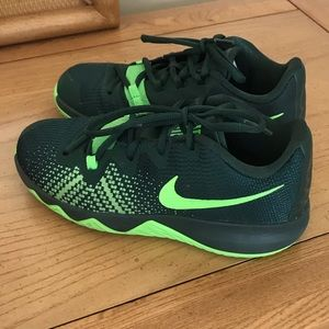 Nike Kyrie Flytrap Basketball Shoes 3Y